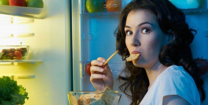 Ăn tối muộn gây tác hại bất ngờ đến cơ thể