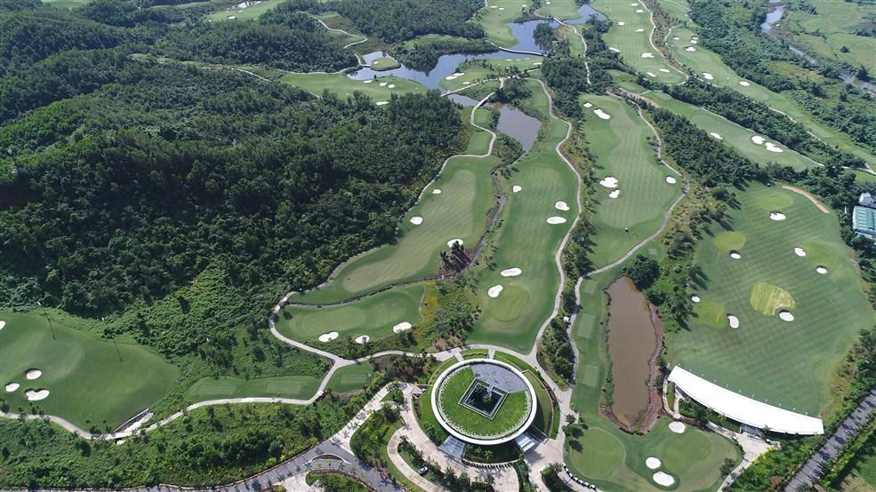 """Quà tặng mùa hè từ """"Sân Golf tốt nhất Châu Á"""""""