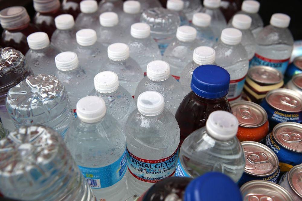 Nhiều thành phố ở Mỹ tẩy chay nước uống đóng chai