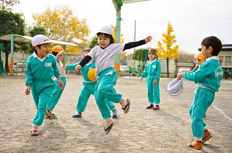 Chế độ ăn uống đáng học tập của trẻ em Nhật Bản