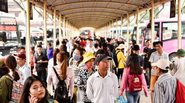 Người dân nghẹt thở rời khỏi Hà Nội trước kỳ nghỉ lễ - ảnh 5