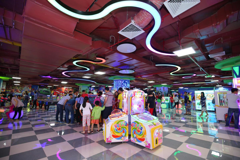 Khu vui chơi Game World thu hút khách hàng đủ mọi lứa tuổi.