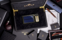 Ngắm chiếc iPhone X đầu tiên dùng pin năng lượng mặt trời