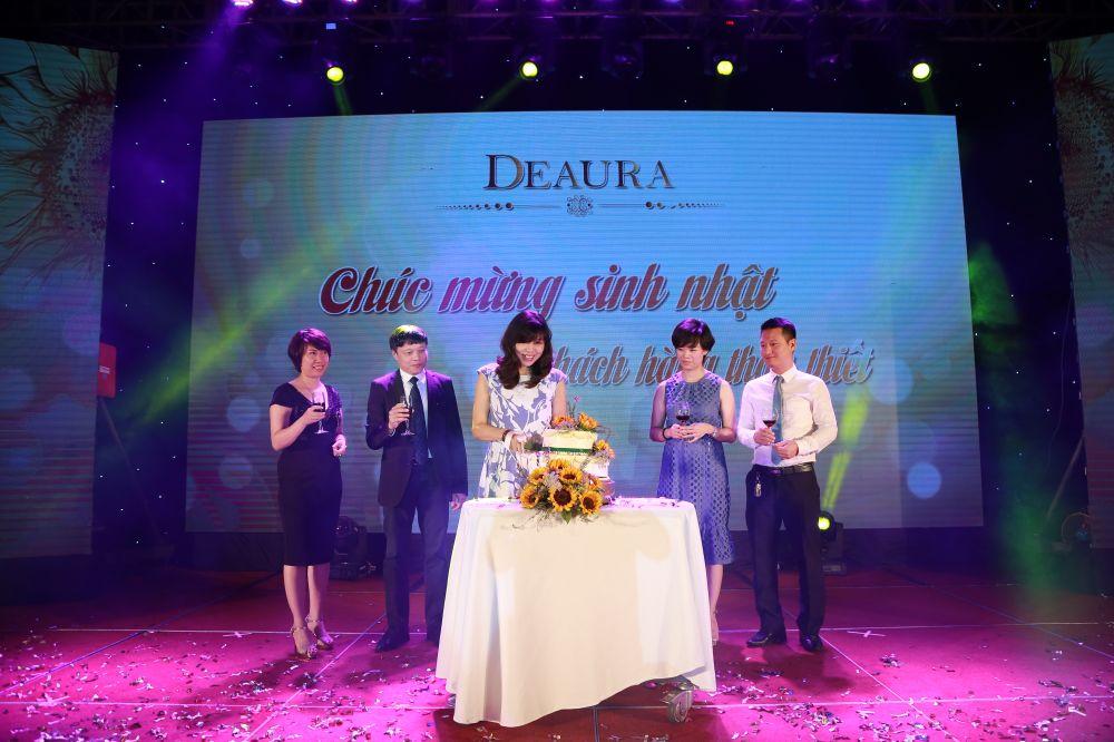DeAura gửi tới những người phụ nữ Đẹp bí quyết tự tin tỏa hương sắc ngày hè