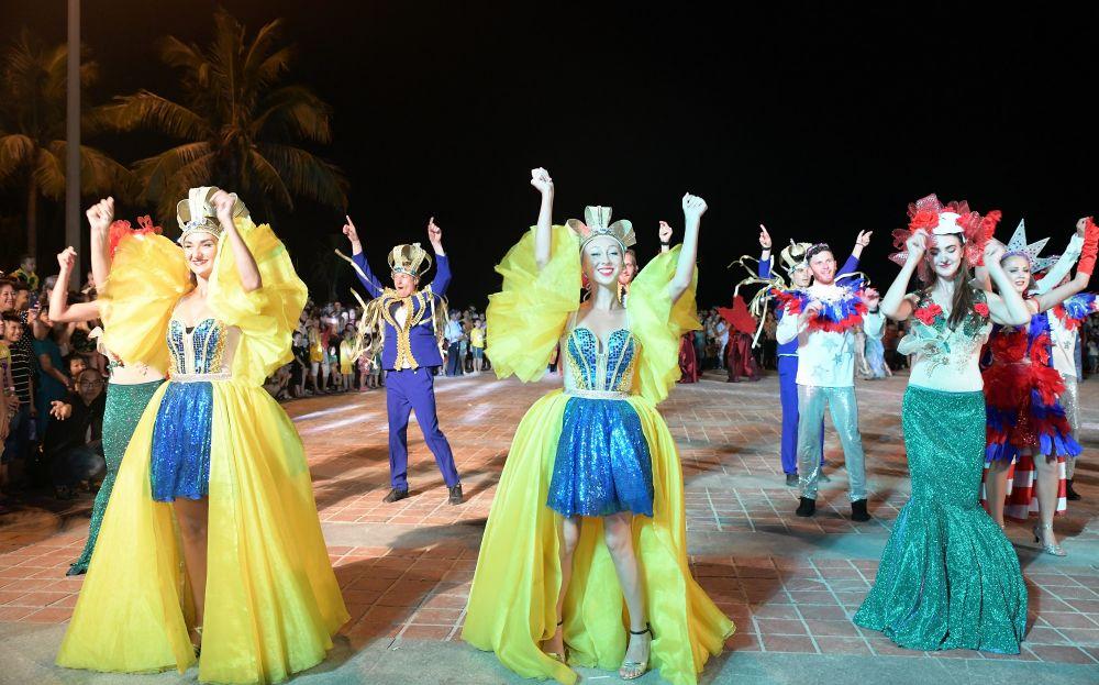 Carnaval đường phố DIFF 2018- trải nghiệm đêm Đà Nẵng cuồng say