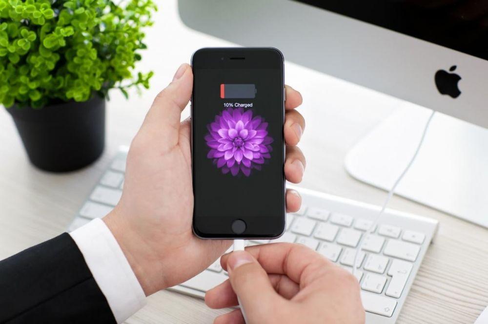 Apple trả lại tiền cho người dùng đã thay pin iPhone