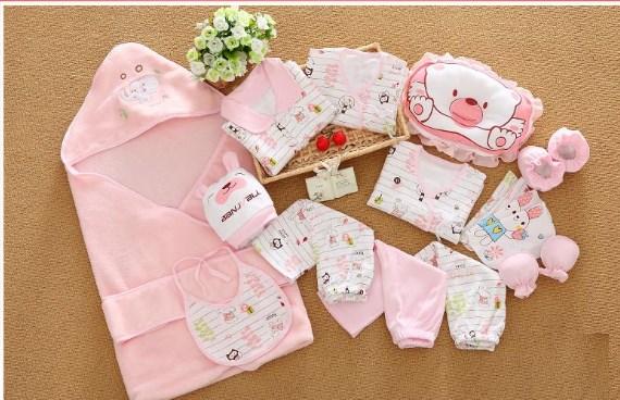 Nên mua đồ dùng gì cần thiết cho trẻ sơ sinh?