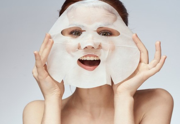 Có nên rửa mặt sau khi dùng mặt nạ không?