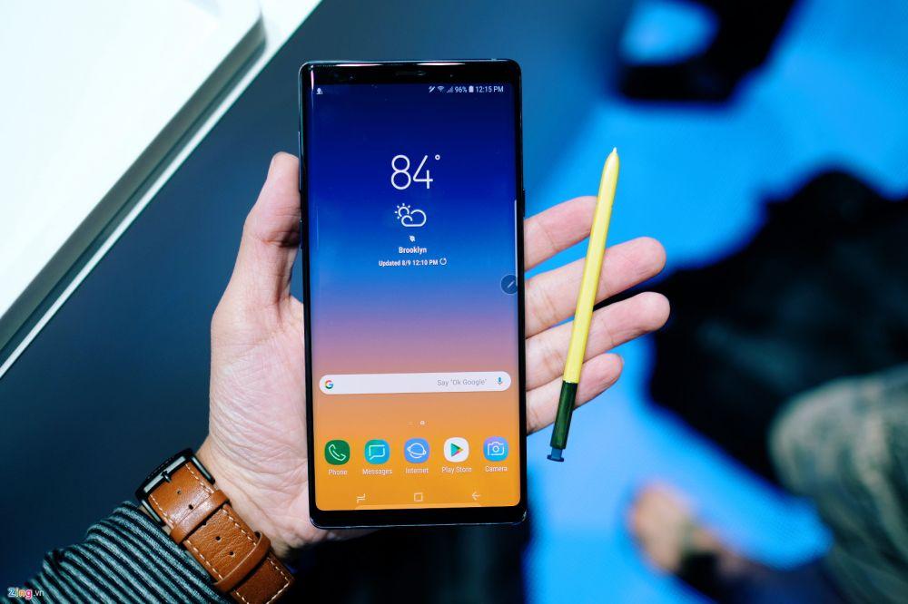 Những hình ảnh long lanh của Samsung Galaxy S9 vừa ra mắt