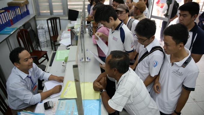 31 đường dây nóng tiếp nhận phản ánh lạm thu ở Hà Nội