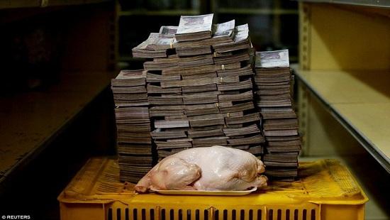 """Người Venezuela chấp nhận ăn """"thịt ôi"""" để sống qua thời khủng hoảng kinh tế"""