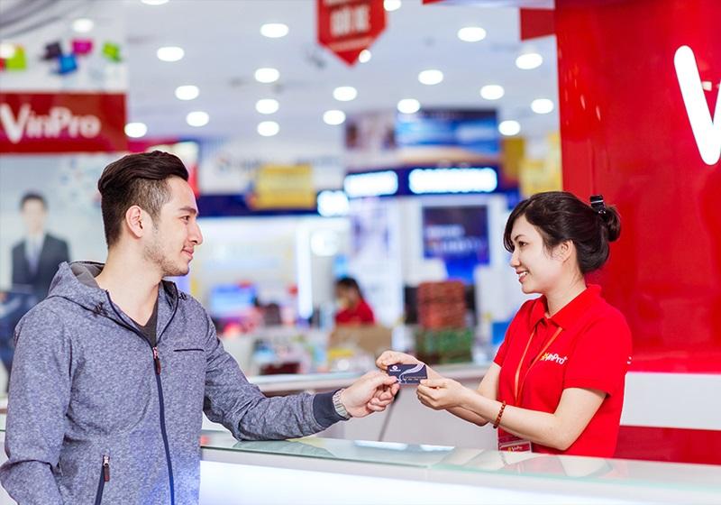3.000 điểm VinID tương ứng với 3 triệu đồng giúp khách hàng thoải mái mua sắm tại hệ thống của Vingroup như siêu thị VinMart, VinMart+, VinPro, Adayroi, Vinmec...