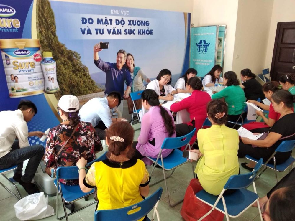 Vinamilk chăm sóc sức khỏe cho 1500 người cao tuổi tại giải thể dục dưỡng sinh toàn quốc