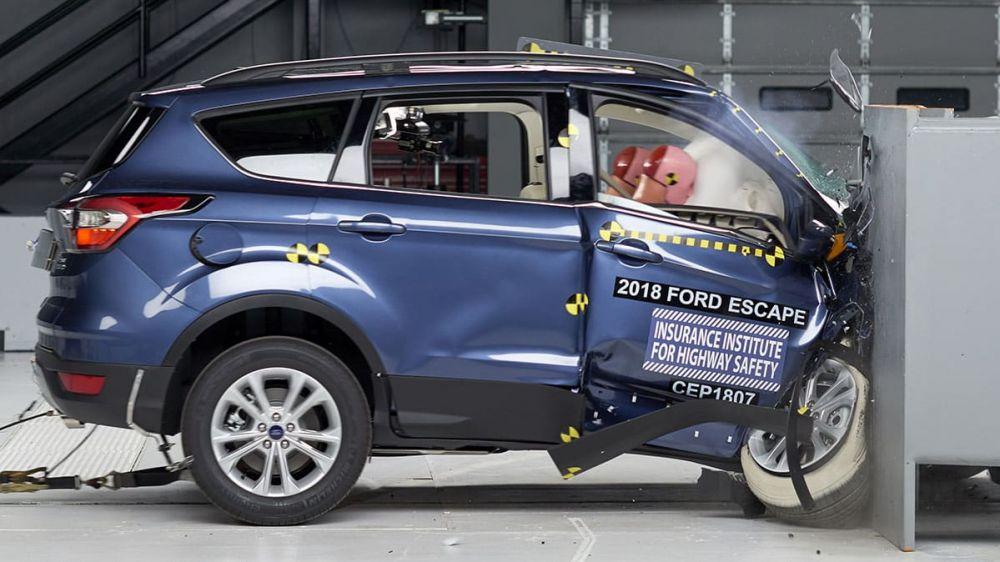 Báo cáo Người Tiêu dùng đánh giá Ford Escape kém an toàn