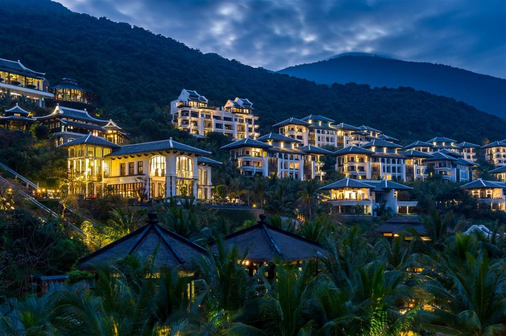 InterContinental Danang Sun Peninsula Resort nhận 5 giải thưởng tại World Travel Awards 2018 khu vực châu Á