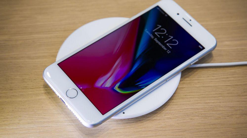 iPhone 8 tự khởi động máy là bị lỗi gì?