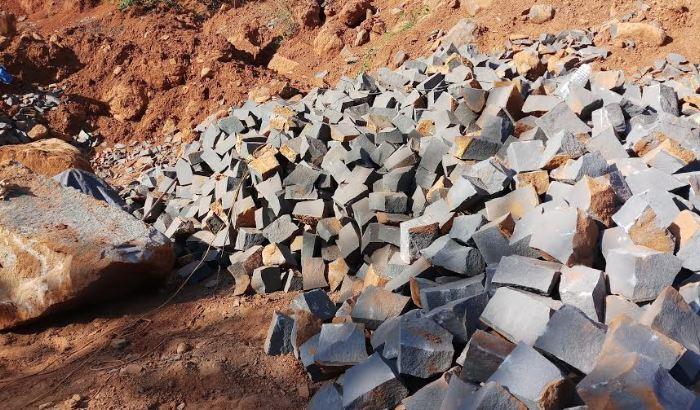 Xử phạt hành chính người dân khai thác khoáng sản trái phép