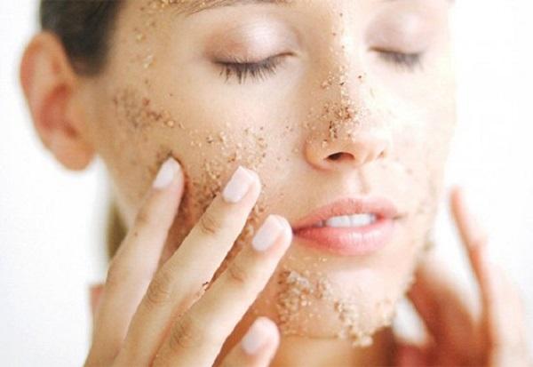 Mùa đông càng cần tẩy da chết thường xuyên hơn.