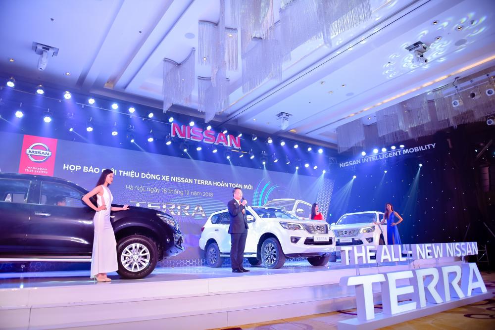 Nissan Việt Nam chính thức giới thiệu Nissan Terra hoàn toàn mới