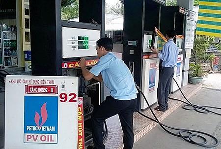 Tăng cường ngăn chặn và đẩy lùi tình trạng buôn lậu, gian lận trong kinh doanh xăng dầu