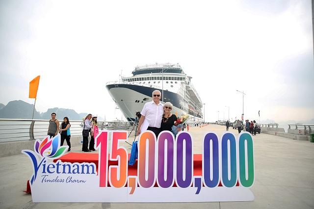 Việt Nam đón vị khách quốc tế thứ 15 triệu bằng tàu biển