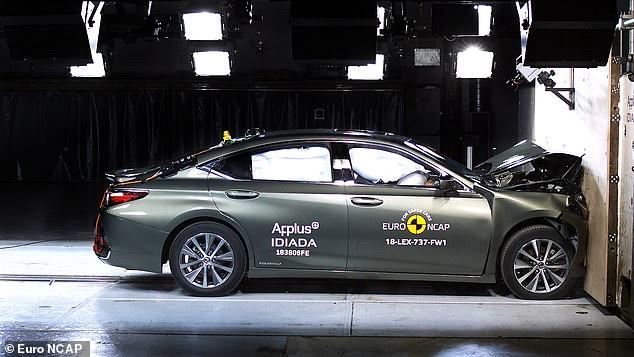 Dù không quá tiếng tăm nhưng Lexus ES vẫn được đánh giá cao ở độ an toàn