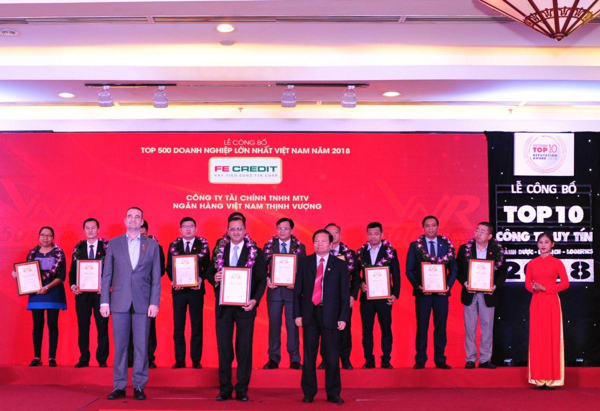 FE Credit phá kỷ lục TCTD với hơn 10 giải thưởng tuy tín năm 2018
