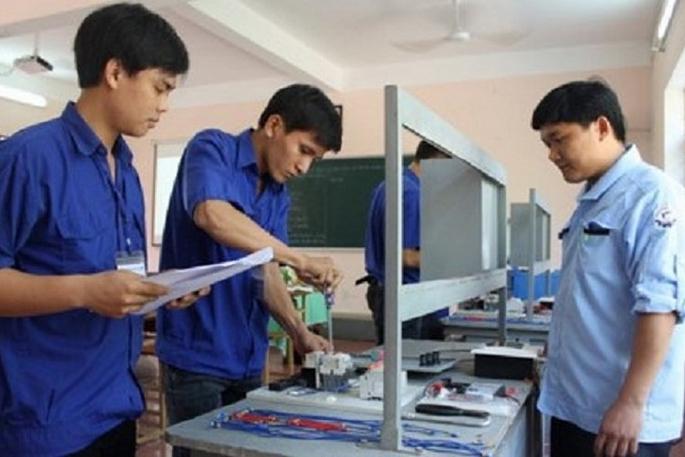 Đề xuất thay đổi chính sách hỗ trợ học phí cho học sinh trung cấp