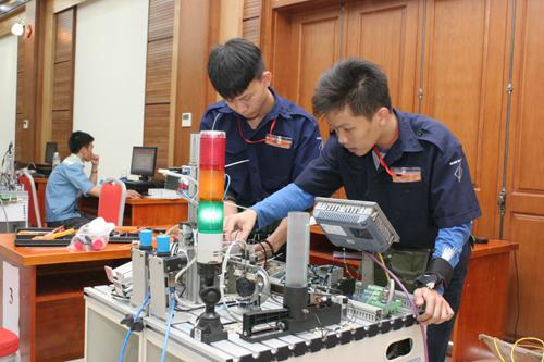 Sinh viên ngành kỹ thuật có việc làm nhiều nhất sau tốt nghiệp