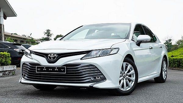 Nổ túi khí nhầm chỗ, Toyota phải triệu hồi gần 700 chiếc Camry 2019