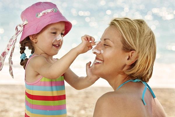 7 loại kem chống nắng an toàn cho trẻ nhỏ trong ngày hè