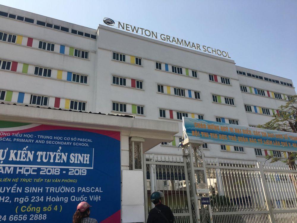 """Nghi vấn trường Newton ở Hà Nội liên kết với trường """"ma"""" ở Mỹ, phụ huynh nói gì?"""