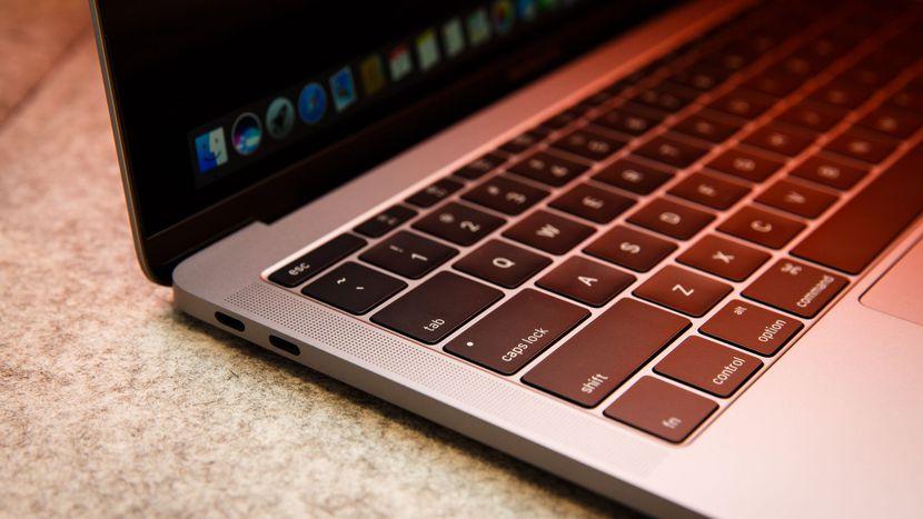 Apple thay pin miễn phí cho MacBook Pro