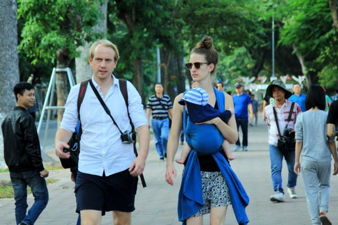 Khách du lịch quốc tế có lưu trú đến Hà Nội tăng 33,5%
