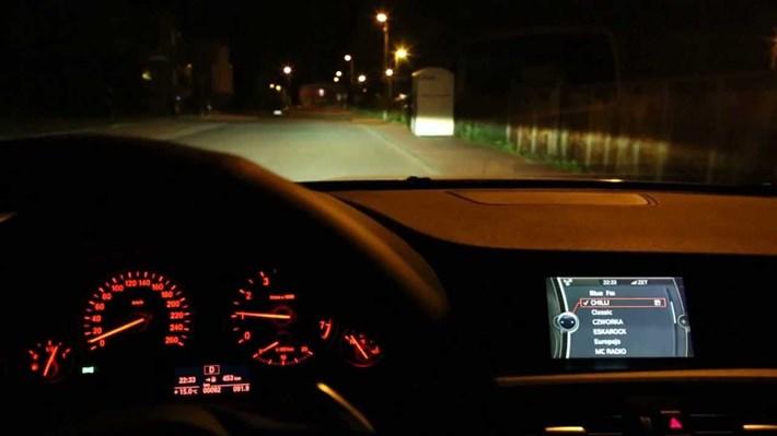 Kinh nghiệm lái xe an toàn vào ban đêm cho các bác tài