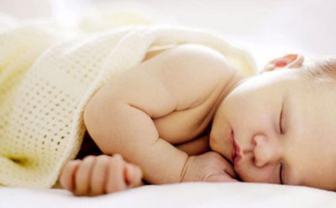 Cảnh báo rủi ro sức khỏe của trẻ sơ sinh có thói quen nằm sấp