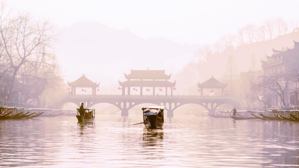Dòng sông Đà Giang
