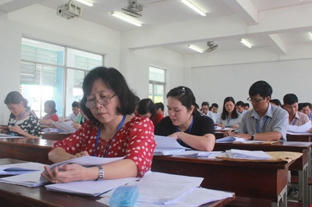 Bộ GD-ĐT chấm thẩm định điểm thi THPT quốc gia ba tỉnh Hòa Bình, Lâm Đồng và Bến Tre
