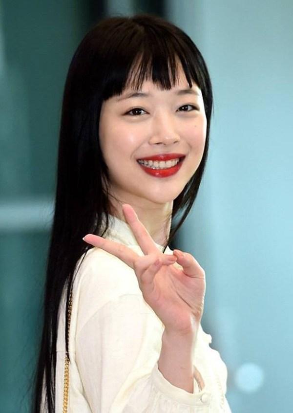 Nữ diễn viên nổi tiếng ở xứ sở kim chi - Sulli rạng rỡ với kiểu tóc mái