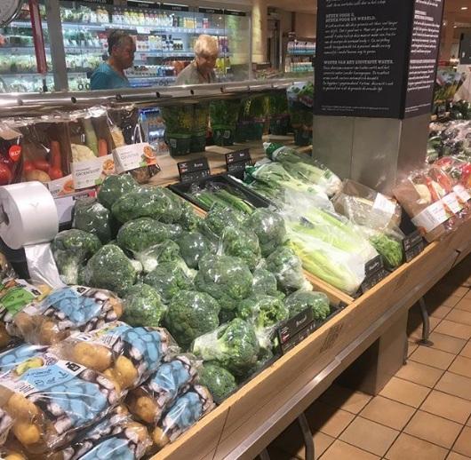 Túi ni lông xuất hiện nhan nhản trong siêu thị