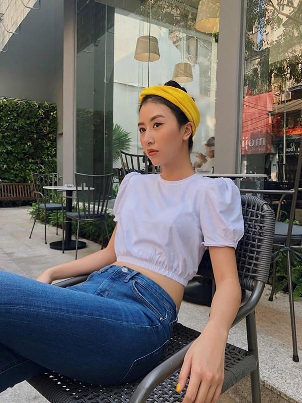 Quỳnh Anh Shyn là một trong những hot girl chuộng crop top
