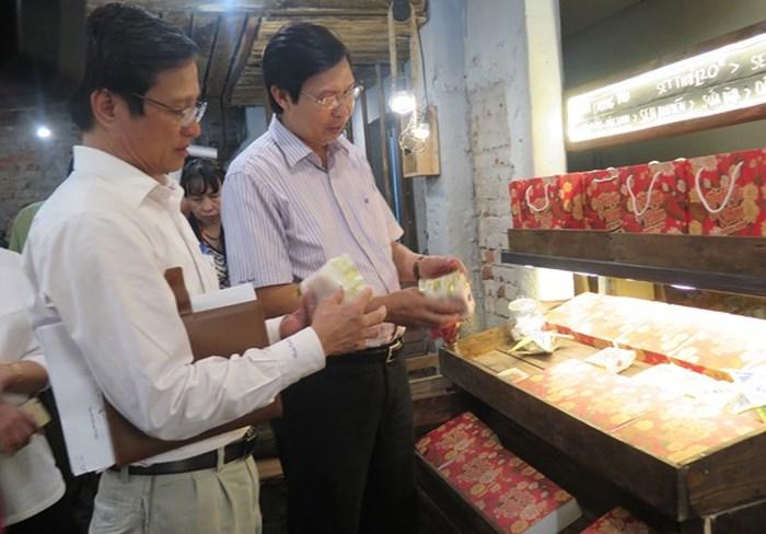Hà Nội ráo riết kiểm tra các làng nghề làm bánh Trung thu khi xuất hiện bánh có giá 2.000 đồng/cái trên thị trường