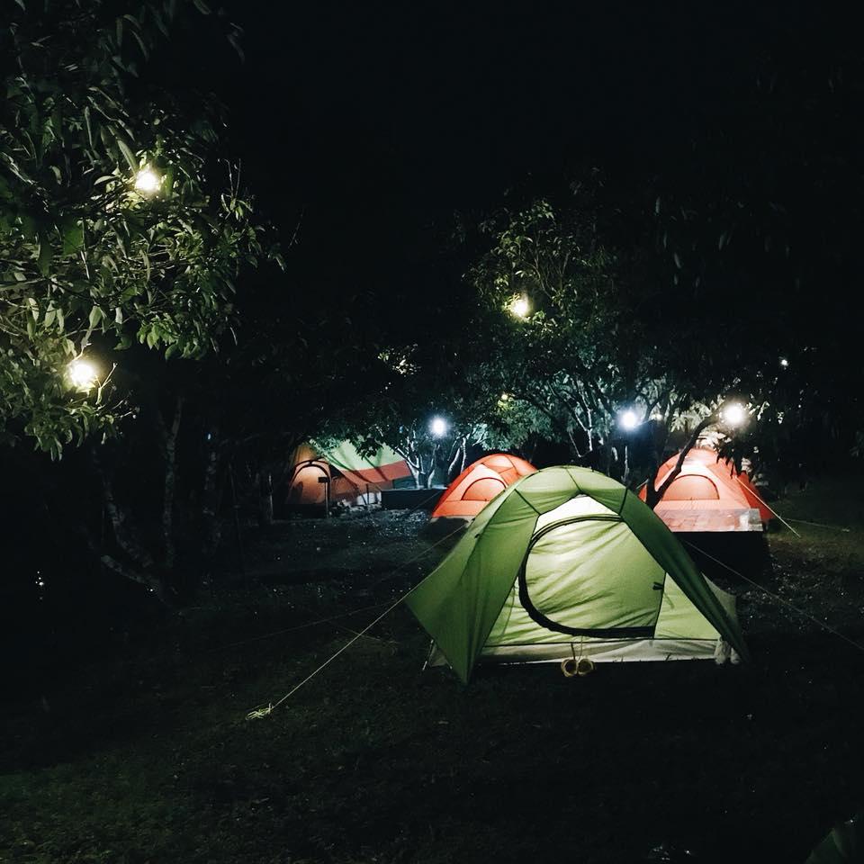Dịp nghỉ lễ 2/9 tới bạn có thể cùng gia đình, người yêu, bạn thân hoặc một mình đến cắm trại(Ảnh: Green Valley Camp)