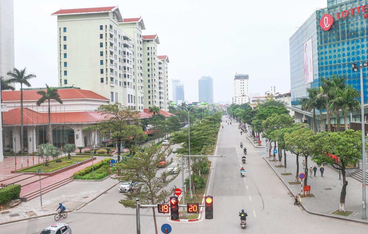 Đường phố Hà Nội vắng vẻ lạ thường ngày đầu năm mới 2019