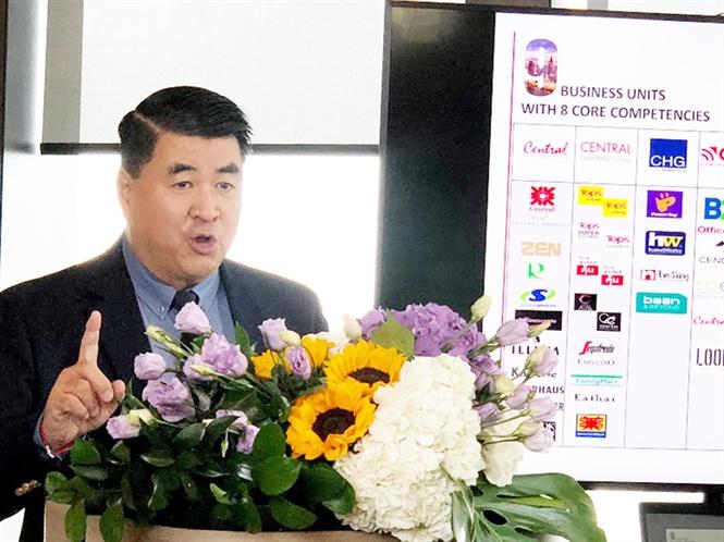 Ông PAUL LE, Phó Chủ tịch Tập đoàn Central Group Việt Nam phát biểu tại Hội nghị giao thương