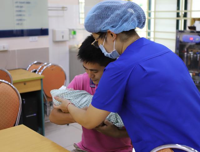 Kỳ diệu người mẹ trẻ suy thận giai đoạn cuối vẫn sinh con khoẻ mạnh