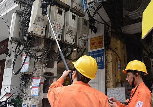 Tăng cường xử phạt các chủ nhà cho thuê có hành vi thu tiền điện cao hơn giá quy định