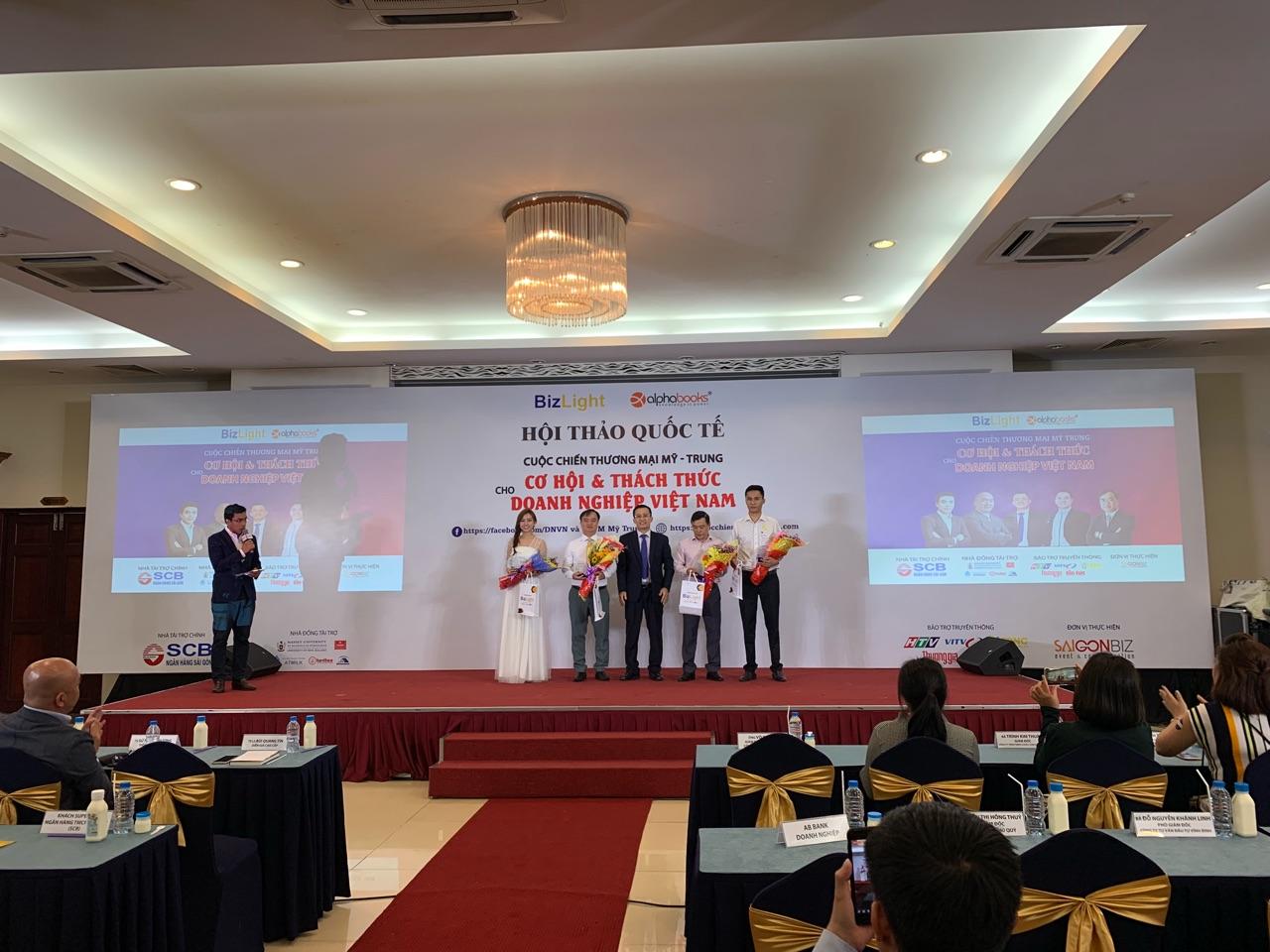 """SCB đồng hành cùng hội thảo """"Cuộc chiến thương mại Mỹ - Trung: Cơ hội & thách thức cho doanh nghiệp Việt Nam"""""""