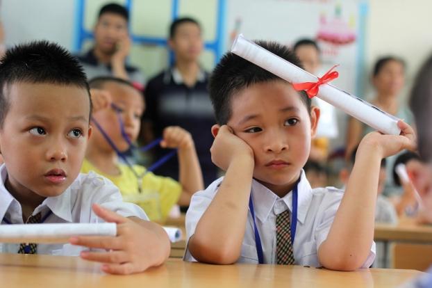 Nhiều lớp học sĩ số trên 60 ở Hà Nội: Thầy cô không thể nhớ mặt, nhớ tên học sinh