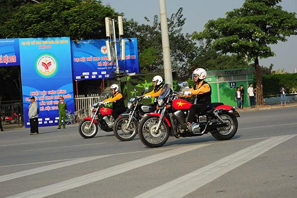 Nhiều biker đã thuộc lứa tuổi U70 những vẫn còn nguyên niềm đam mê với những chiếc mô tô phân khối lớn.